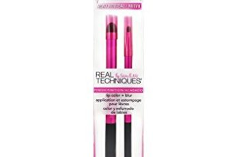 Real Techniques Cruelty Free Lip Color Plus Blur Brush; With Ultra Plush Custom Cut Synthetic Bristles and Extended Aluminum Ferrules to Build Coverage